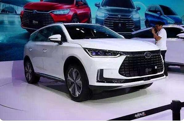 比亚迪新款唐EV实车图曝光,预计明年正式上市
